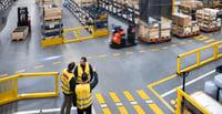 Normes et réglementations de sécurité des solutions de rayonnages | Toyota Material Handling