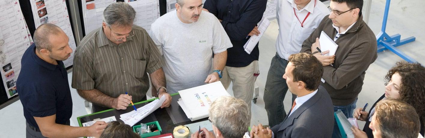 Employés Toyota Material Handling en réunion Nantotsu